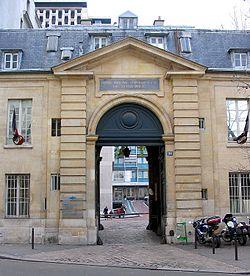 250px-2003.11.27_Photo02_043_Paris_XII_Hopital_des_Quinze-Vingt_reductwk