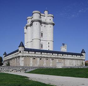280px-Château_de_Vincennes_Paris_FRA_002