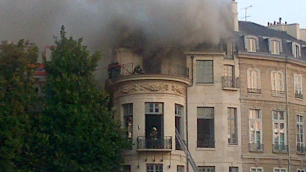 L hotel lambert et ses tresors incendies lors de travaux for Garage flagez montigny le roi incendie