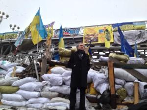 maidan-ukraine-bhl-barricades