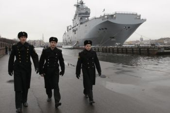 1296247_7_5c20_un-navire-de-guerre-francais-de-type-mistral_ae447b3057224edc2775a495ca9e29ce