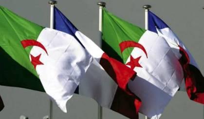 france_algerie_drapeaux_653078083