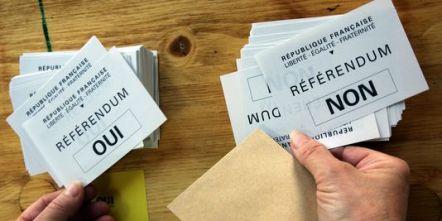 655430_3_8077_des-bulletins-pour-le-referendum-du-29-mai_d6343dee1de0ddff361ba492658ecf50