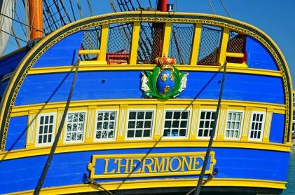 fregate-l-hermione-la-poupe-2-1803115481-1700775