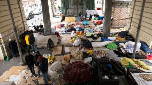 migrants-du-camp-de-stalingrad-paris_5573031