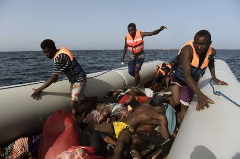 5009851_6_974c_un-bateau-de-l-ong-espagnole-proactiva-open_b4131328d73317b632d2c5c2cc652a82