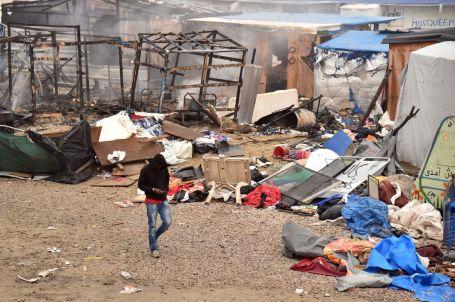 5020508_6_d327_plusieurs-incendies-ont-ete-provoques-dans_f0825f43ea2e8ef76767aa3778956a97