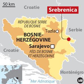 une-femme-bosniaque-recueille-memorial-potocari-pres-srebrenica-construit-hommage-8-000-victimes-genocide_3_730_295