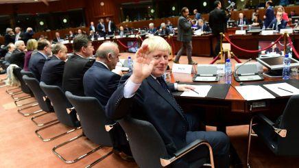 boris-johnson-a-l-ouverture-de-la-reunion-des-ministres-des-affaires-etrangeres-de-l-ue-le-14-novembre-2016-a-bruxelles_5742815