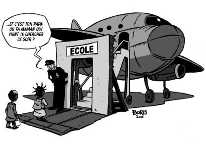 enfants-expulses-avion