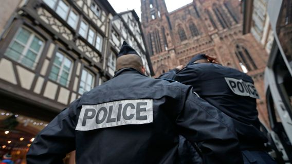 french-police-officers-patrol-near-the-cathedral-of-strasbourg_5749249