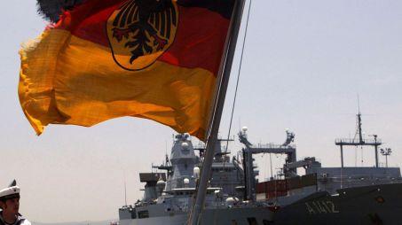 la-fregate-lubeck-dans-le-port-de-carthagene_5115418