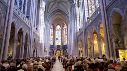 pontmain-rassemble-plus-de-4-000-fideles