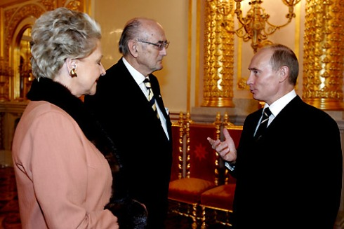vladimir_putin_with_prince_and_princess_dimitri_of_russia